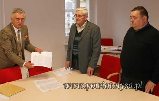 I1500 podpisów w obronie PAKS w Nysie
