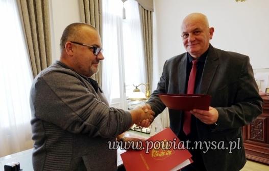 IPodpisana umowa na przebudowę drogi Goświnowice – Grądy