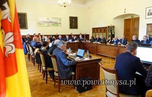 IXIV sesja Rady Powiatu 8.01.2020 - radni uchwalili budżet na 2020