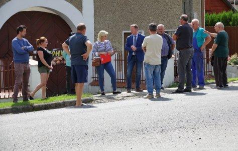 Spotkanie z mieszkaDcami w sprawie budowy chodnika